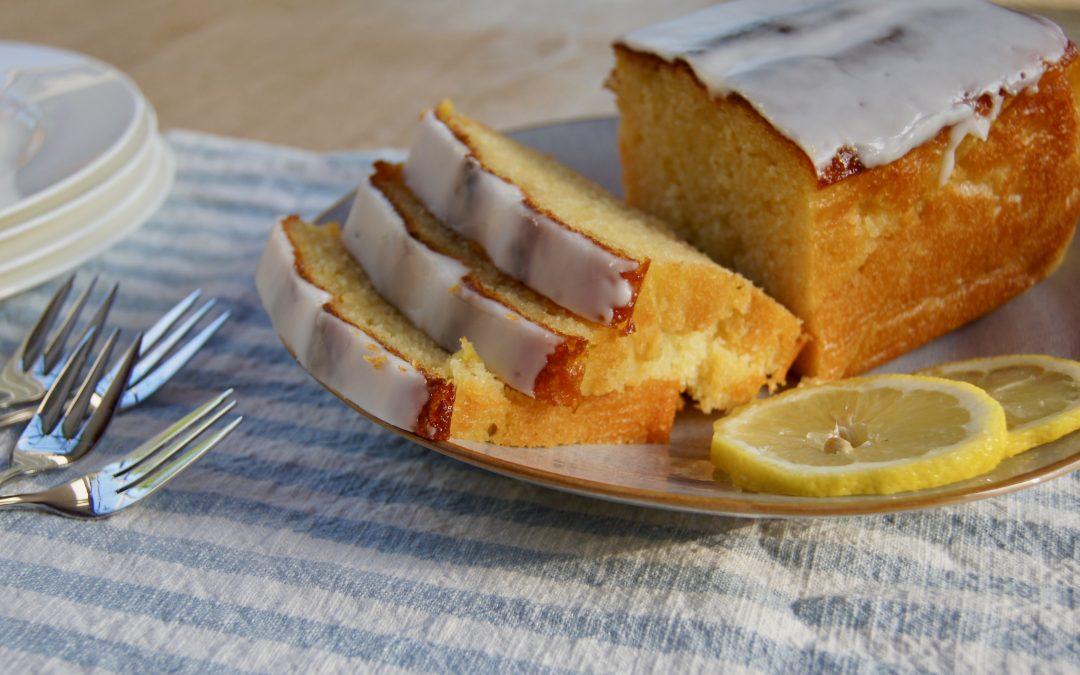 Saftiger Zitronenkuchen mit unseren haehnlein-Bio-Eiern
