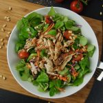 Pulled Chicken Filetstreifen auf Salat