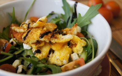 Rührei im Salat