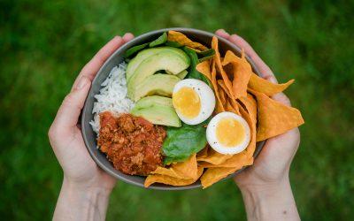 Foodinspo: Tacco-Bowl mit Bolognese und gekochten Eiern